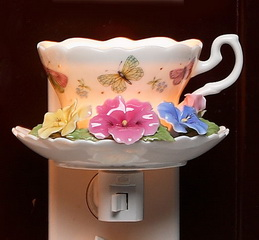 Pansy Cup & Saucer Night Light