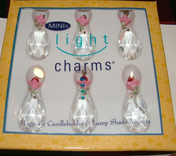Magnificent Trimmings Magnetic Mini Pink Flower Light Charms